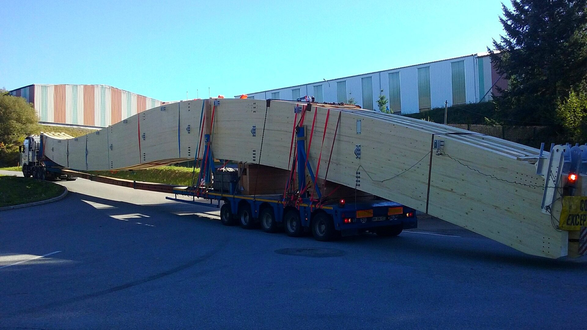 transport de poutres de 45m salle omnisport pessac 33 baudin chateauneuf